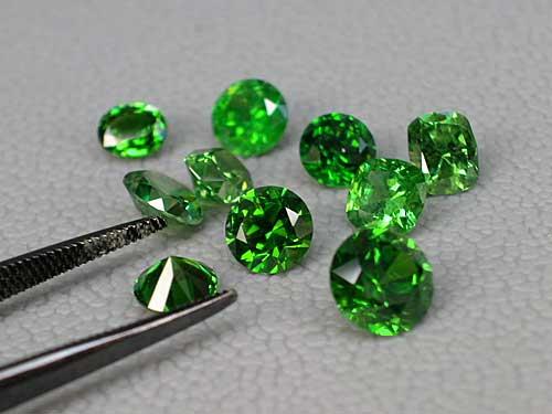 Garnet-Demantoid, Gemstones