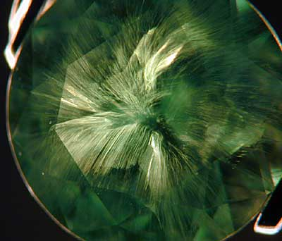 Garnet-Demantoid, Horsetail in Gemstone