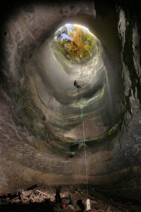 Sedimentary-Limestone.  neversink_pit_sinkhole_Scotsboro_Alabama
