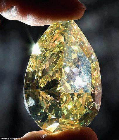 4.  Diamond, Cora Sun-Drop, 110.3c., 10.9M.  Cora International.  by Dan Kitwood-Getty Images