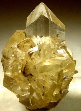 Gypsum Crystals. Red River Floodway, Winnipeg, Manitoba, Canada .Rob Lavinsky, iRocks.com