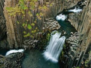 Columnar Basalt. Litlanesfoss falls, Iceland. Steve Rose, The Rockhound Connection