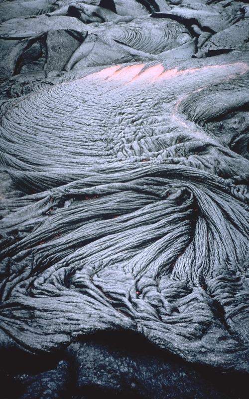 Lava. Ropy pahoehoe. Kilauea Volcano, Hawaii. 06-11-1995. Tari Noelani Matlox, USGS
