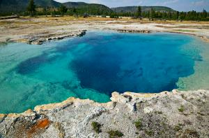 Yellow Stone NP, WY, Blue Hot Springs.USNPS, Garry Gay
