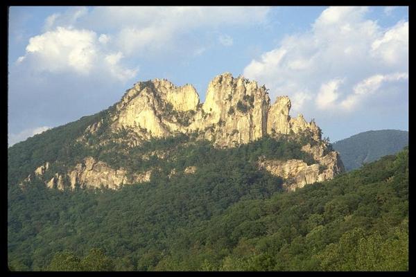 Seneca Rocks WV - Tuscarora sandstone