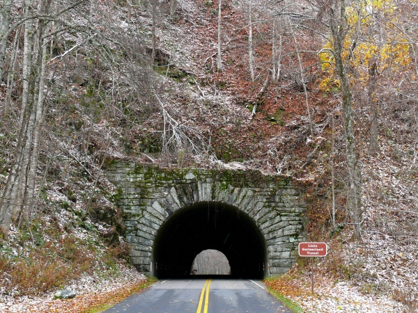 blue_ridge_parkway-commons-wikimedia-org