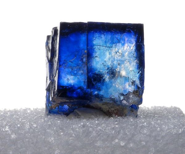 Halite, Blue Crystal.. Intrepid Potash East Mine, Carsbad, NM.  cr Spirifer Minerals