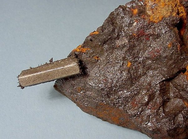 Magnetite - lodestone,  earthscienceteamperiod7.wikispaces.com