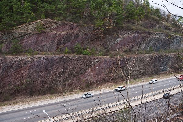 Red Mountain Expressway Cut.  Hematite.  01-04-2011. Grreg Willis