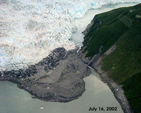 hubbard_glacier-2_july_16-2002-usgs