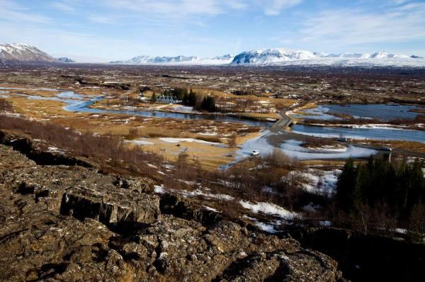 9-tectonic-plates-thingvellir-national-park-south-iceland