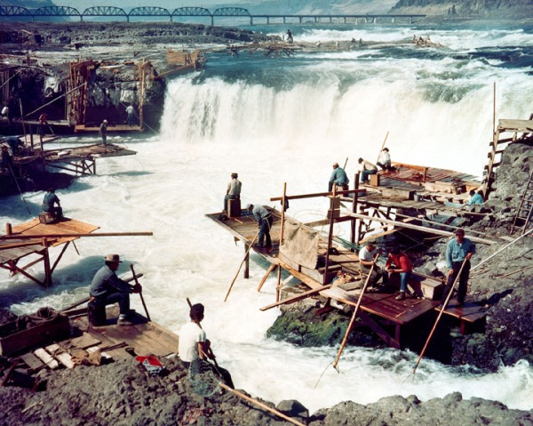 corps-engineers-archives_celilo_falls_color-1957-usacoe