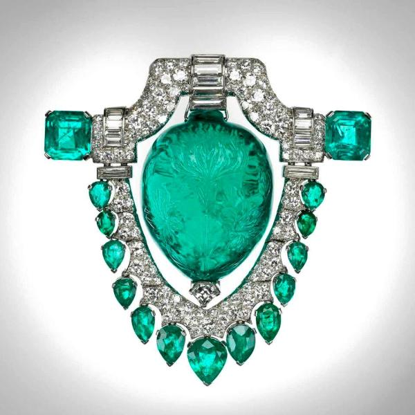 1. 60 C. Mughal Emerald. Marjorie Merriweather Post Broach. 1929. Museum of Fine Artx in Boston
