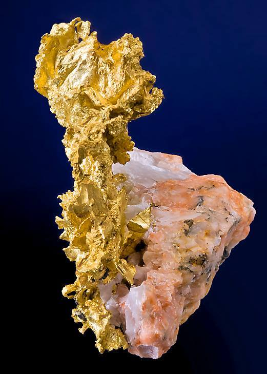 2 0Native Gold on Pink Feldspar. Nugget Pond Mine, Newfoundland, 2. Canada
