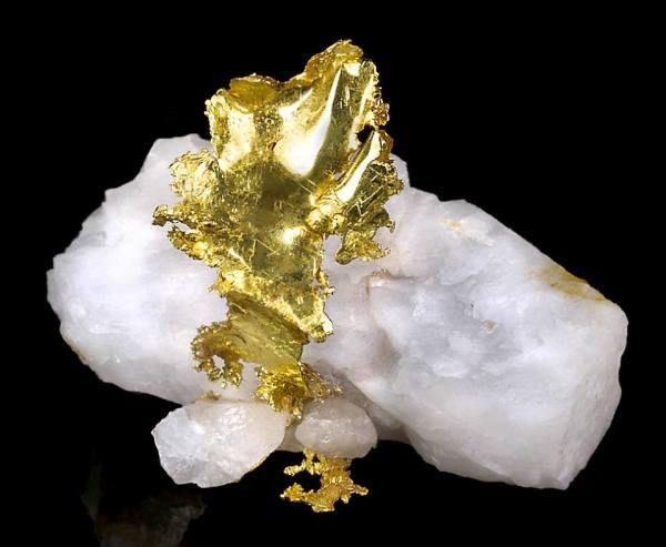 3. Gold, Native leaf on quartz, 4.5x3.4x3.3cm. Obboda Mineral Collection.