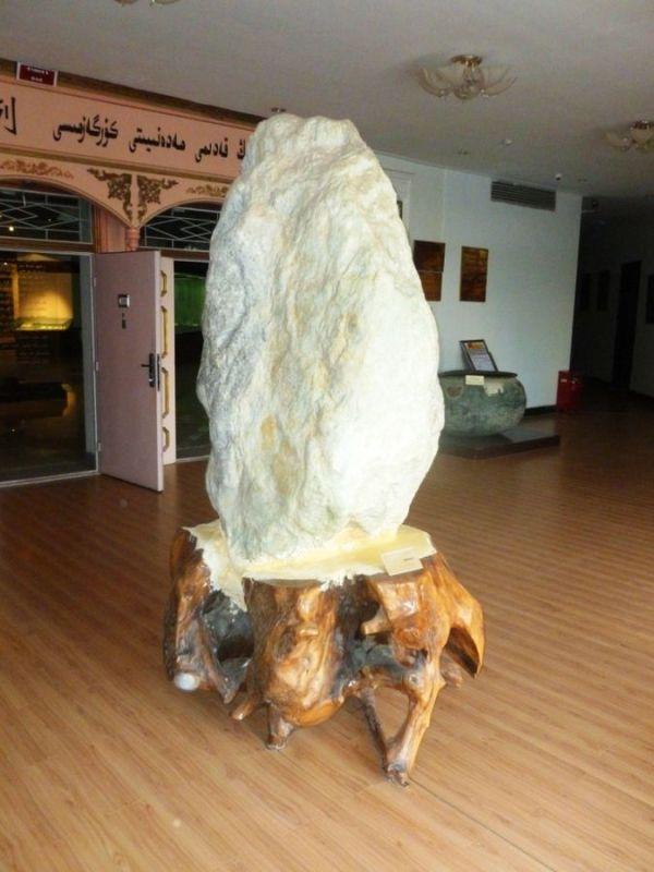 Jade, Large_mutton_fat_jade_displayed_in_Hotan_Cultural_Museum_lobby. 2011. John Hill